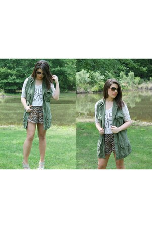 army green Military Vest vest - gray flowy shorts shorts shorts