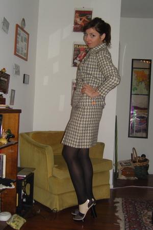 silver vintage suit - gray Pour La Victoire shoes