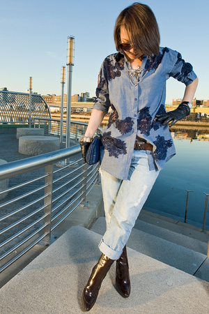 blue shirt - blue vintage levis jeans - blue accessories - blue Celine gloves -