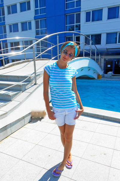 sky blue striped H&M t-shirt - white Zara shorts - sky blue Orsay accessories