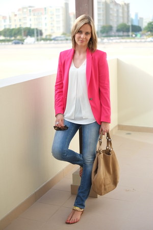 hot pink Zara blazer - blue 7 for all mankind jeans - tan Delvaux bag