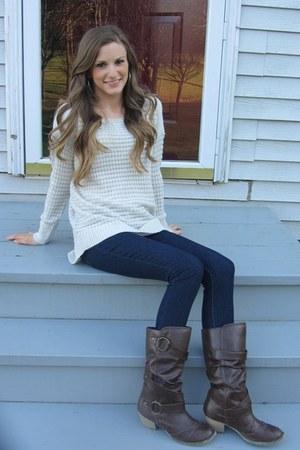 beige knit JC Penney sweater