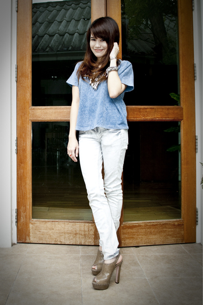 white Topshop jeans - blue H&M shirt - brown Prada shoes - brown