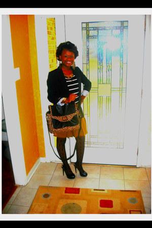 blazer - box-leopard bag - pleated skirt skirt
