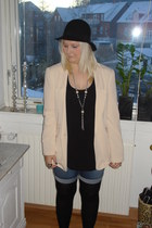 cream GINA TRICOT blazer - blue Vero Moda shorts - black H&M top