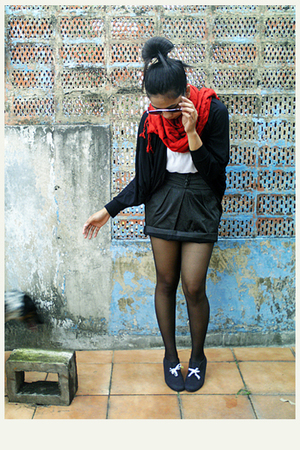 black cardigan - black skirt - white top - black boots - black stockings - red s