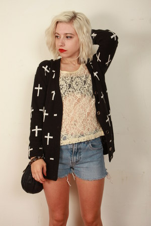 Forever 21 cardigan - Levis shorts - vintage top
