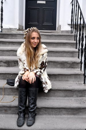 white fur vintage coat - black knee high Urban Outfitters boots