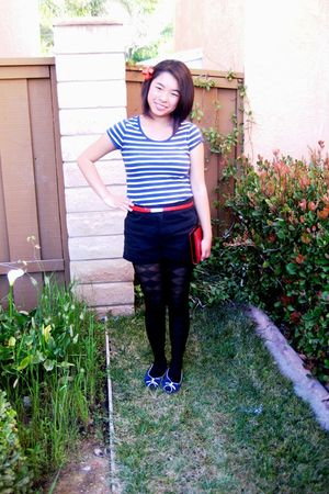 blue shirt - red belt - black shorts - black tights - blue Steve Madden shoes - 