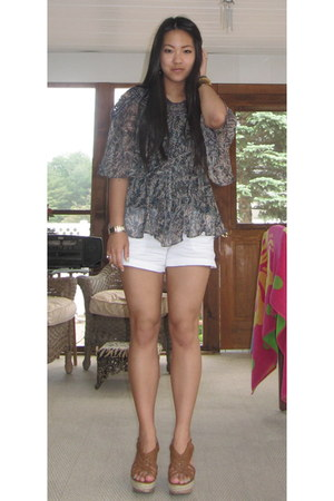 teal Forever 21 shirt - white Old Navy shorts