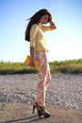 Violet-carvela-shoes-salmon-new-yorker-jeans-yellow-fiorelli-bag