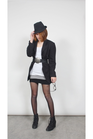 black unknown blazer