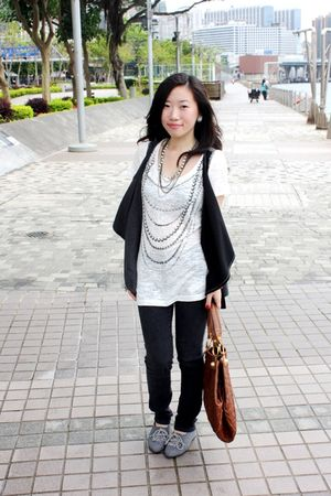 white Forever 21 shirt - black no brand jeans - brown Chinese Laundry purse - gr
