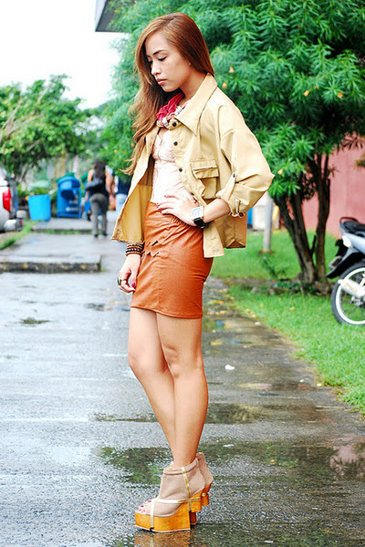 brown leatherette skirt - brown heels Gold Dot shoes