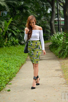 green H&M skirt