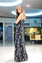 black maxi Forever 21 dress