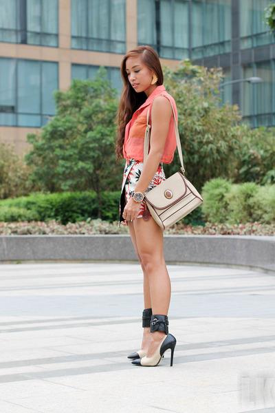 beige Topshop skirt