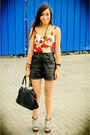 Red-trunk-show-intimate-black-forever-21-shorts-black-michaell-antonio-shoes