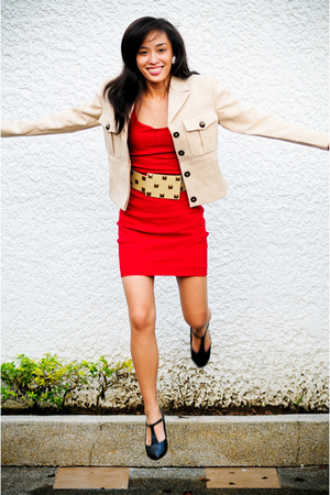 black flats shoes - red Zara dress - beige La Dolce Vita blazer