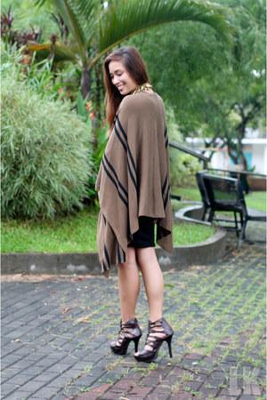brown apartment 8 dress