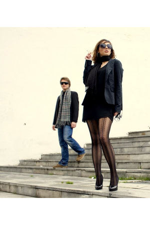 black Calzedonia tights - black BLANCO shoes - black Stradivarius blazer