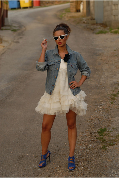 white unknown brand dress - blue Zara shoes - Levis Vintage Collection jacket -