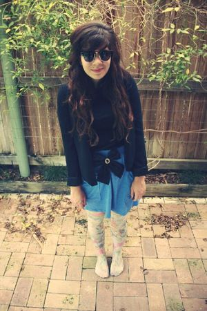 blue aa skirt - pink HUE tights - black bow clip accessories - black thrift blaz