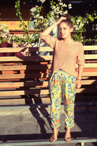 pink crop knit supre jumper - light yellow nanà pants