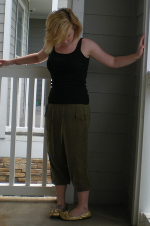 Mossimo top - Anthropologie pants - Nine West shoes