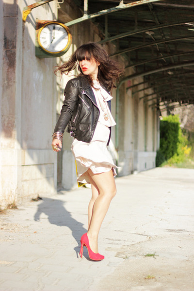 black Samsoe Samsoe jacket - ivory pepa loves dress - red Bershka heels