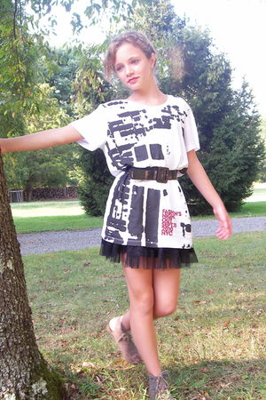 white shirt - black material girl skirt - gray Mia shoes