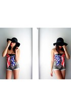 black floppy black hat hat - blue american flag scarf