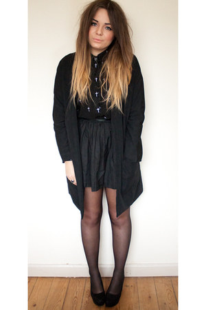 black longline Boohoo coat - black cross zalando shirt