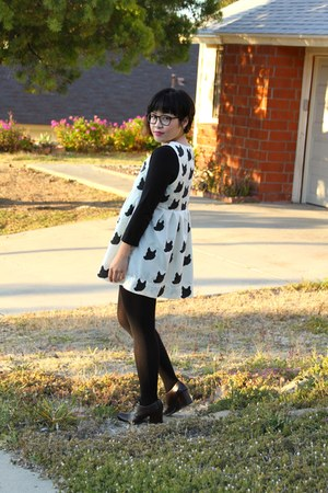 cream little foxes DIY dress - black 3-4 scoop neck American Apparel top - dark