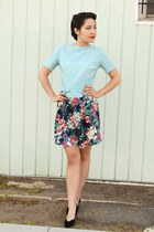 hawaiian floral vintage shorts - light blue 1950s vintage blouse