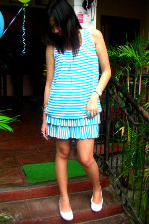 Tango dress - Gola shoes - random brand accessories
