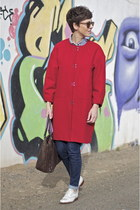 red Sfera coat - white oxford shoes Massimo Dutti shoes