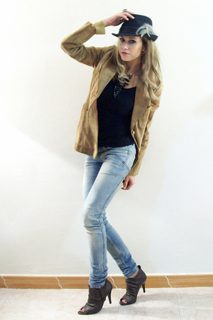 brown Vanity jacket - black Zara Woman t-shirt - brown a very vintage shoes - bl