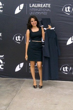 black dress - black peep toe Guess pumps - camel Zara belt