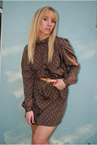 Dark-brown-80s-poly-flowy-lost-feather-vintage-dress