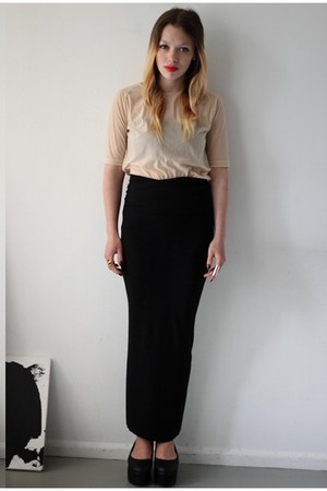 nude COS t-shirt - black DIY skirt - black Nelly wedges