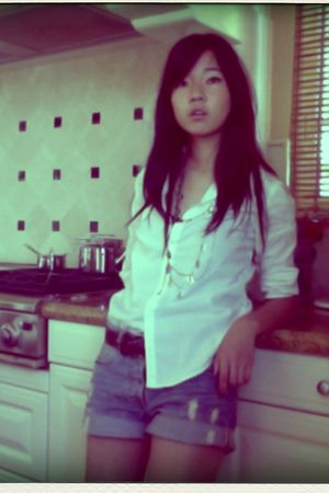 H&M shorts - calvin klein shirt - vintage belt