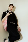 Navy-apostrophe-jeans-black-thrifted-blazer-hot-pink-free-people-bag