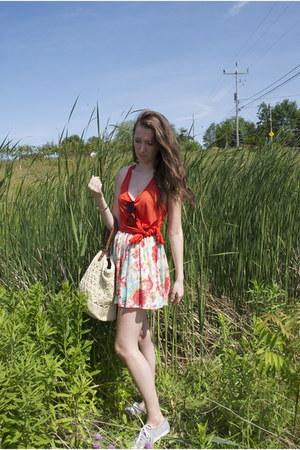 H&M shirt - H&M purse - floral skirt Forever 21 skirt - grey jersey Keds sneaker