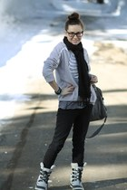 Sorel boots - 7 for all mankind jeans - tylie malibu bag - rayban glasses - skel
