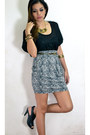 Black-sheer-blouse-black-heels-gray-printed-skirt-gold-accessories