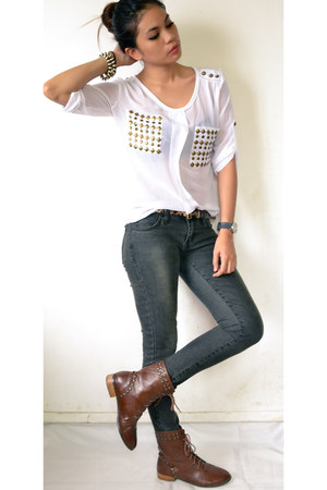 white studded top - brown studs boots - gray denim pants - gold spikes bracelet