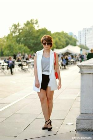 Chicwish vest - Atmosphere shorts - Chicwish top - next heels
