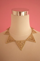 All-angle collar necklace