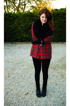 black H&M boots - ruby red vintage blazer - black H&M scarf - black Zara gloves